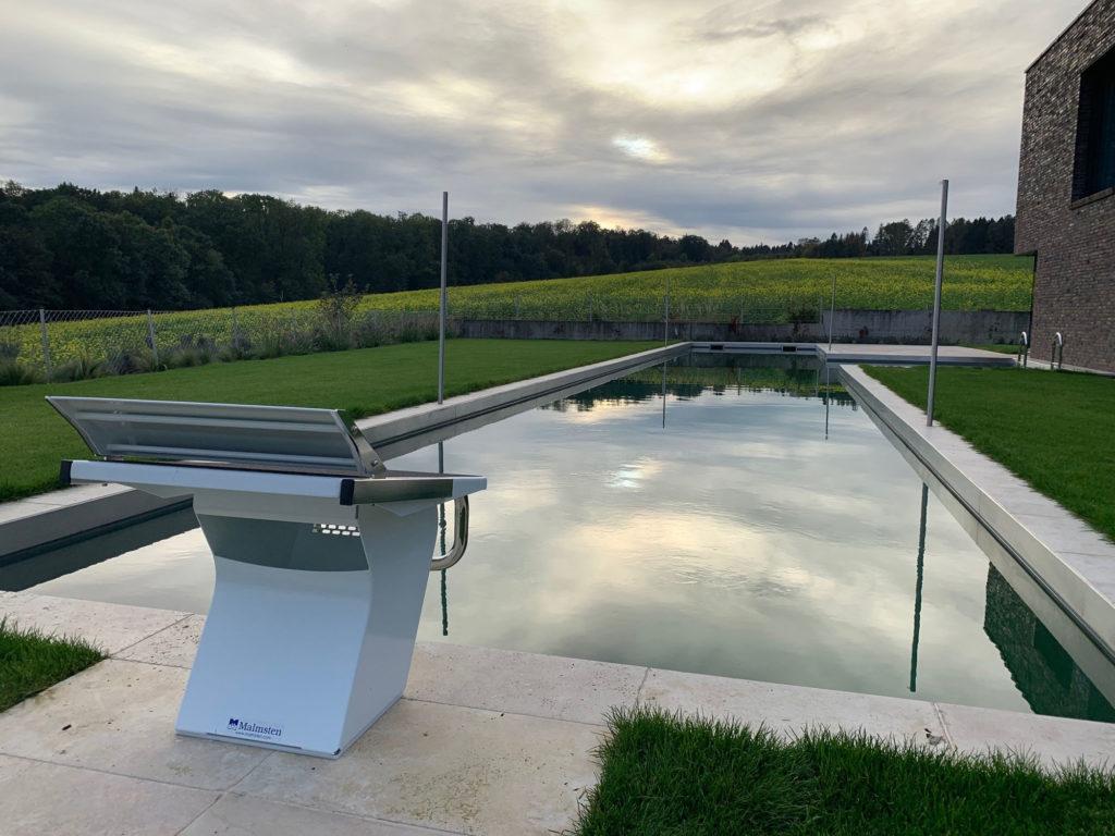 FREIRAUM Pool mit Startblock