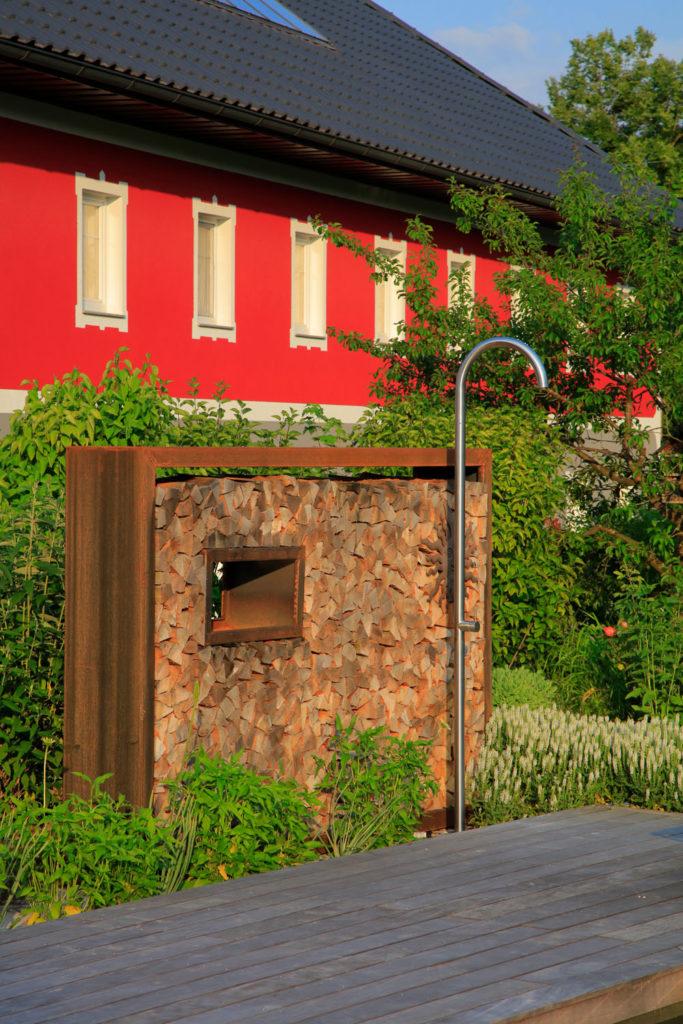 FREIRAUM Gartendusche mit Sichtschutz