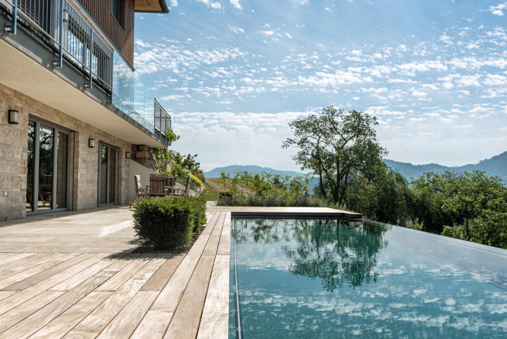Gepflegt dank Pool Service aus Oberösterreich - FREIRAUM