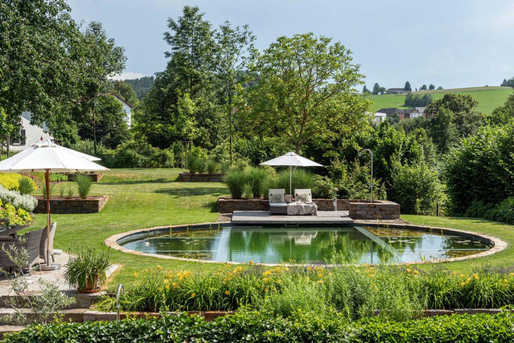 FREIRAUM Garten mit Swimming Pond
