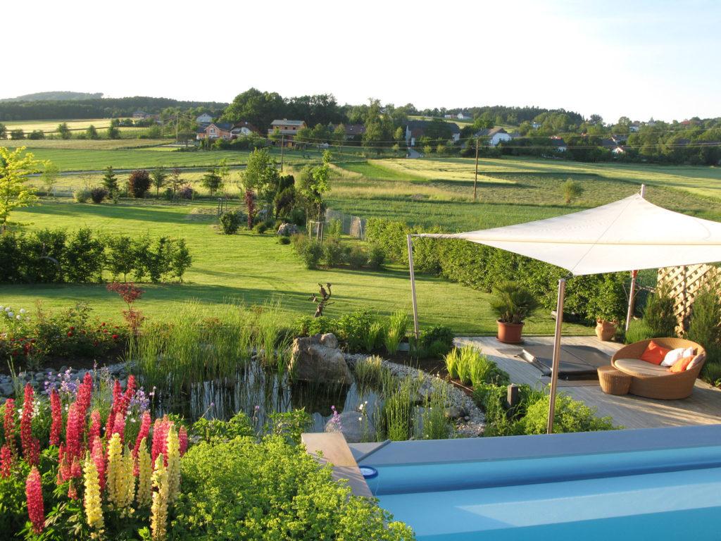 FREIRAUM Gartenlounge mit Pool