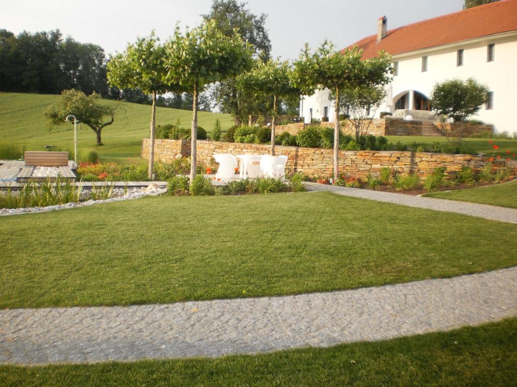 FREIRAUM Garten Schwimmteich Terrasse